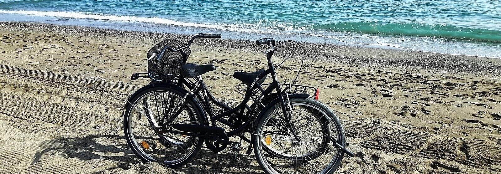 Bike rental picture on Màlaga beach